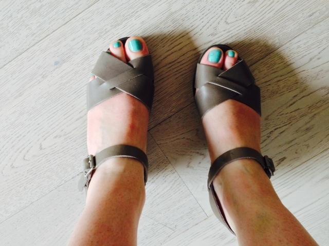 sandales-compensées-bensimon-kaki-gris