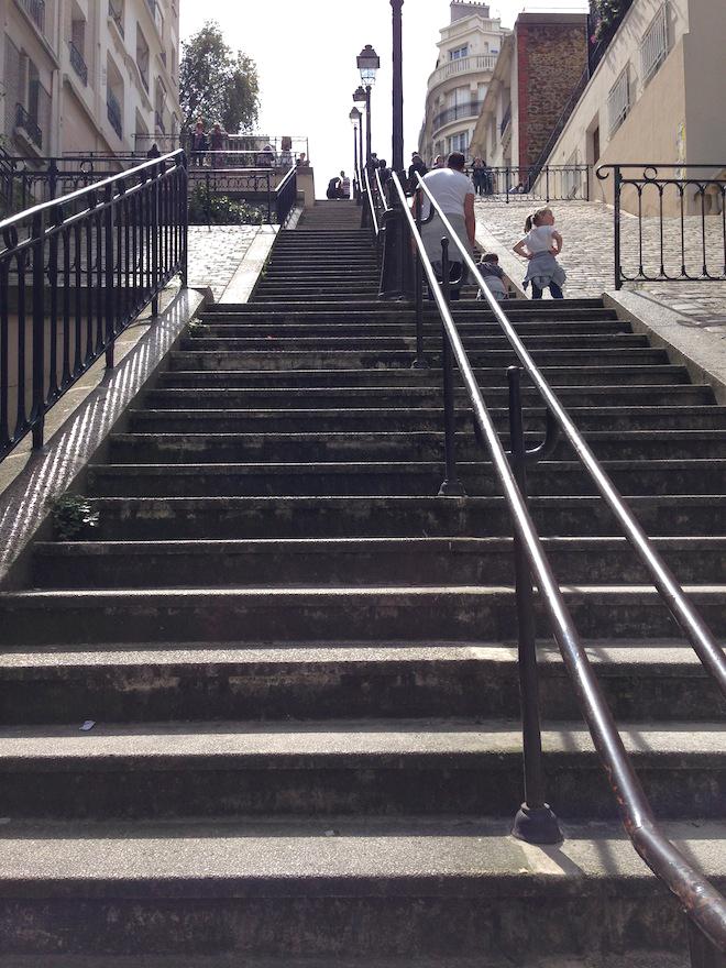 les-marches-de-la-rue-du-mont-cenis-Montmartre-Paris