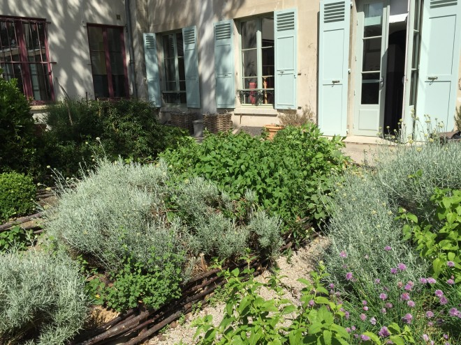 Charles et Alice atelier jardinage