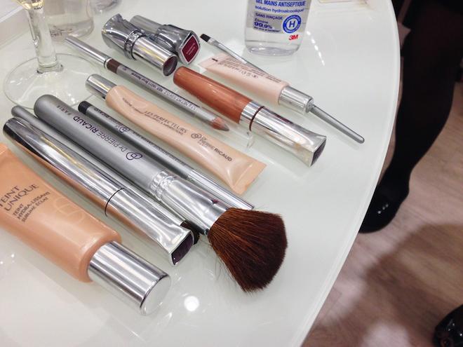 maquillage-ustensiles-Dr-Pierre-Ricaud