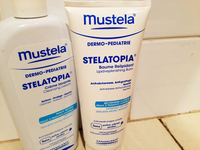 baume relipidant Stelatopia de Mustela